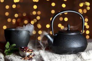 Żeliwny czajnik do herbaty